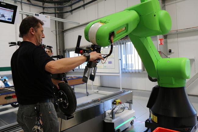 Robotisation dans l'industrie : halte aux fantasmes !